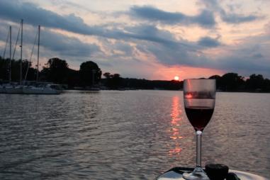 A pleasant evening on Bodkin Creek